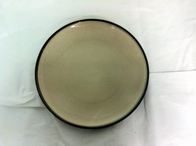 UNIQ CREAM RND PLATE 210MM 6641